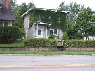 Washington Single Family Home For Sale: 319 E Washington St.