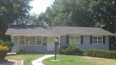 Cedar Rapids Single Family Home For Sale: 3821 Bever Avenue