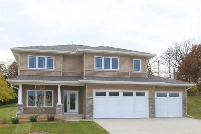 Iowa City Single Family Home For Sale: 4923 Preston Ln