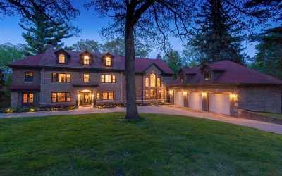 Cedar Rapids Single Family Home For Sale: 2075 Cottage Glen Rd SE