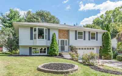 Iowa City Single Family Home For Sale: 1132 Village Farm Court