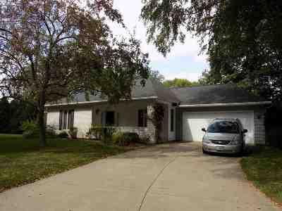 Cedar Rapids Condo/Townhouse For Sale: 140 SE Ashcombe