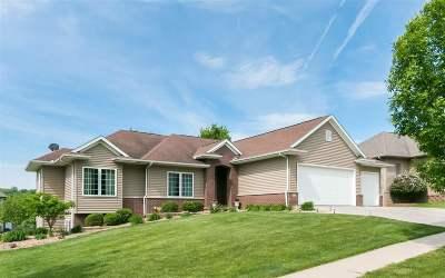 Iowa City Single Family Home For Sale: 909 Tamarack Trail