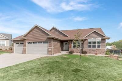 Cedar Rapids Single Family Home For Sale: 2902 Hillsboro Ct SW