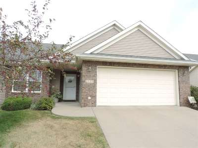 Coralville Condo/Townhouse For Sale: 2119 Terra Ln