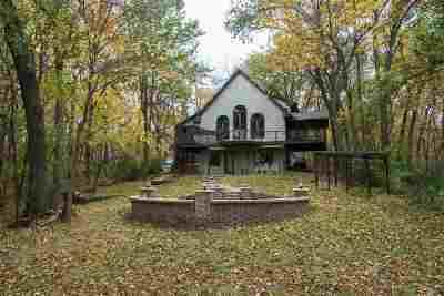 Iowa City Single Family Home For Sale: 2944 Orchard View Ln NE