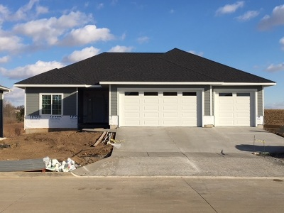Iowa City IA Single Family Home For Sale: $409,900