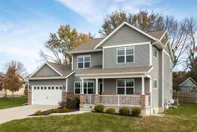 Iowa City Single Family Home For Sale: 28 Vail Circle