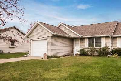 Iowa City IA Single Family Home For Sale: $126,000