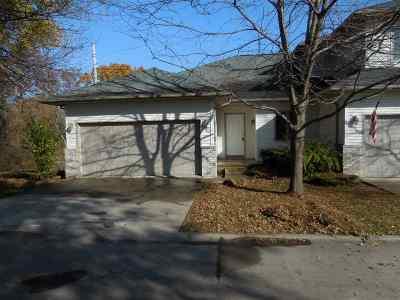 Coralville Condo/Townhouse For Sale: 1815 12th Avenue #A
