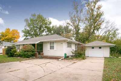 Solon Single Family Home For Sale: 502 S Market St