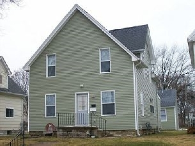 Cedar Rapids Single Family Home For Sale: 370 & 370 1/2 8th Avenue SW