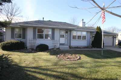 Parnell IA Single Family Home New: $185,000