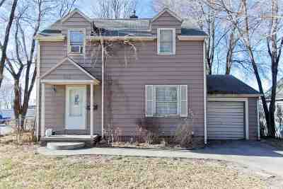 Cedar Rapids Single Family Home For Sale: 865 SE Camburn Ct