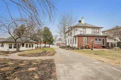 Washington Single Family Home For Sale: 315 E Washington St