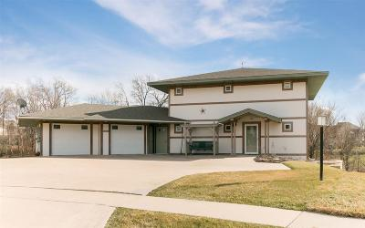 Coralville Single Family Home For Sale: 2205 Flintshire View