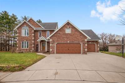 Kalona Single Family Home For Sale: 1219 12th Pl