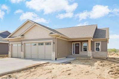 North Liberty Single Family Home For Sale: 1315 E Tartan Dr.