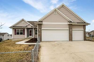 Cedar Rapids Single Family Home For Sale: 7000 Rolling Ridge Drive SW