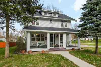 Cedar Rapids Single Family Home For Sale: 2122 5th Ave SE