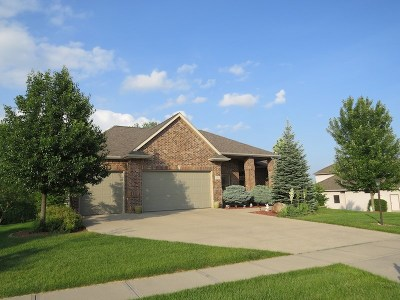 Coralville Single Family Home For Sale: 2907 High Bluff Dr