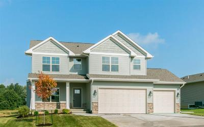 North Liberty Single Family Home For Sale: 1305 E Tartan Dr.