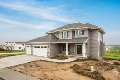 North Liberty Single Family Home For Sale: 1300 E Tartan Dr.