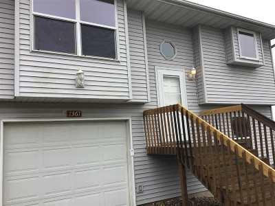 Coralville Condo/Townhouse For Sale: 1359 Ozark Ridge