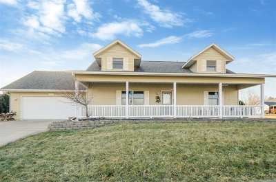 Kalona IA Single Family Home For Sale: $257,900