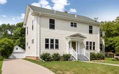 Iowa City IA Single Family Home For Sale: $550,000