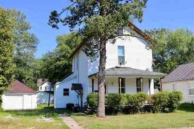 Washington IA Single Family Home For Sale: $123,400