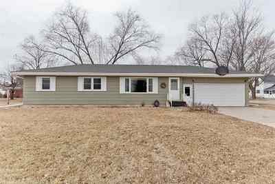 Vinton IA Single Family Home New: $150,000
