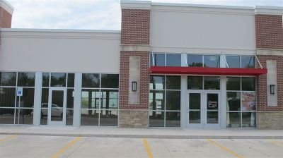 Cedar Rapids Commercial For Sale: 921 Blairs Ferry Road NE