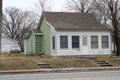 Washington County Single Family Home For Sale: 521 W Madison St