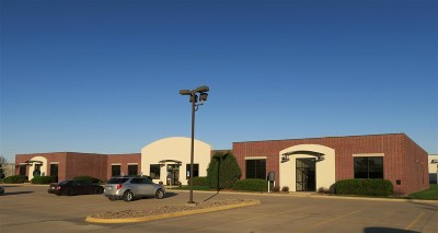 Cedar Rapids Commercial For Sale: 4935 Bowling St SW