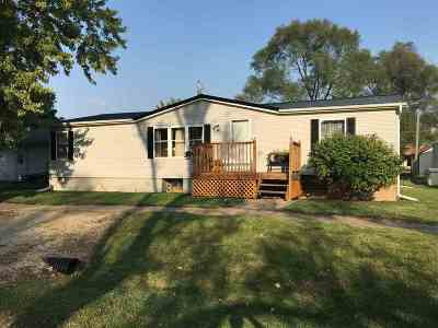Muscatine County Single Family Home For Sale: 206 N Washington St