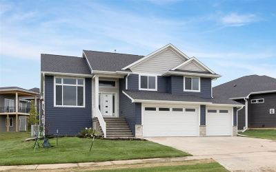 Iowa City Single Family Home For Sale: 4141 Grindstone Dr