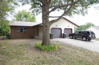 Iowa City Multi Family Home For Sale: 1240-1242 Dolen Place