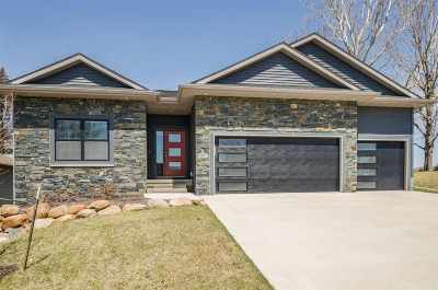 Coralville Single Family Home For Sale: 1973 Ollinger Dr
