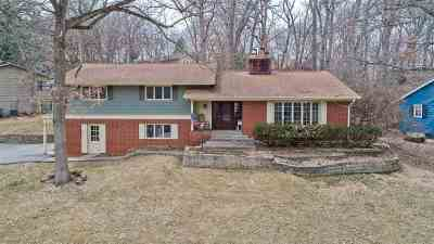 Cedar Rapids Single Family Home For Sale: 649 SE 649 Valley Brook Drive SE