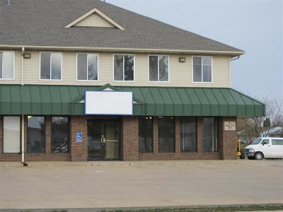North Liberty Commercial For Sale: 85 Sugar Creek Lane #4