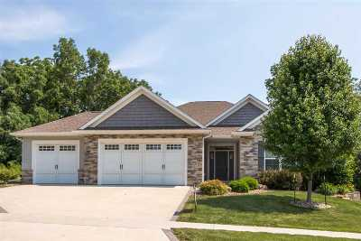 North Liberty Single Family Home For Sale: 1670 Linden Ln.