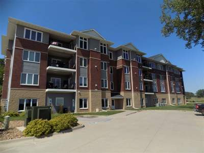 Riverside Condo/Townhouse For Sale: 1092 Walnut Ave #319