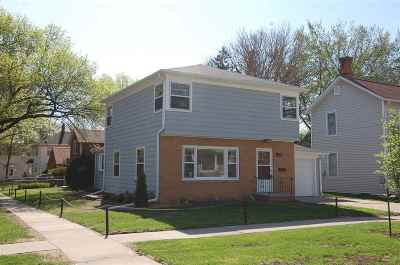 Iowa City Single Family Home For Sale: 330 N Gilbert St