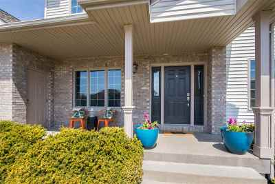 Iowa City Single Family Home For Sale: 28 Laredo Ct