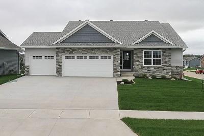 Iowa City Single Family Home For Sale: 2825 Wagon Wheel Dr
