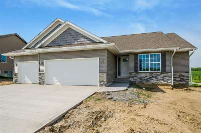 North Liberty Single Family Home For Sale: 1270 Abraham Dr.