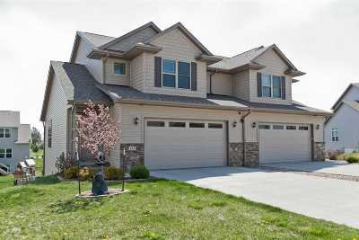 North Liberty Condo/Townhouse For Sale: 432 Watts Ct