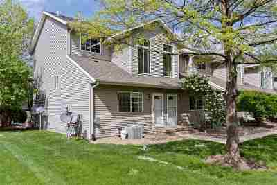 North Liberty Condo/Townhouse Contingent: 437 W Zeller St