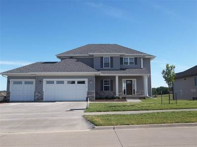 North Liberty Single Family Home For Sale: 1300 E Tartan Dr.
